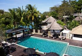 Hotel Aana Resort & Spa