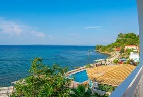 Hotel Agoulos Inn