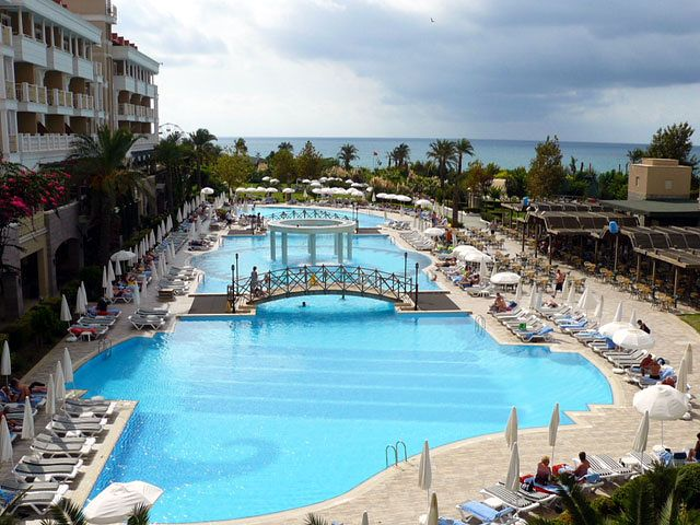Hotel trendy aspendos beach w colakli riwiera turecka for Trendy hotel