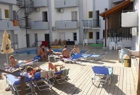 Hotel Averinos