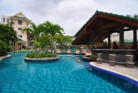 Hotel Baan Karonburi Resort