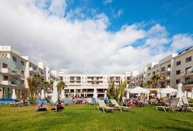 Hotel Capital Coast Resort & Spa