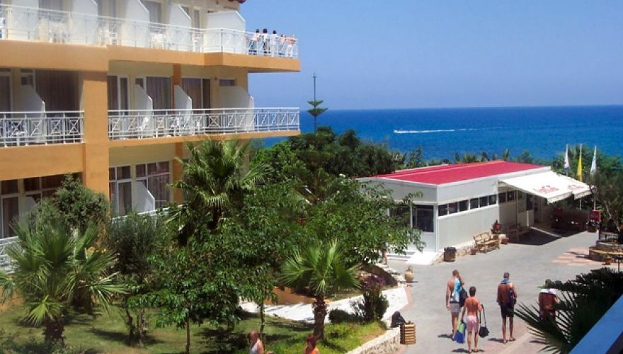 Eri Beach & Village Hotel