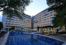 Hotel Grand Oasis