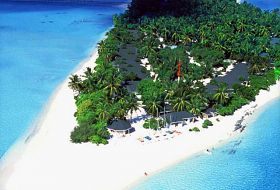 Hotel Holiday Island Resort & Spa
