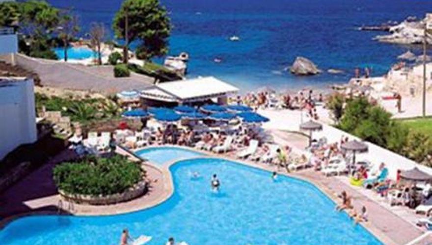 Jardin de playa w santa ponsa majorka hiszpania for Aparthotel jardin de playa santa ponsa