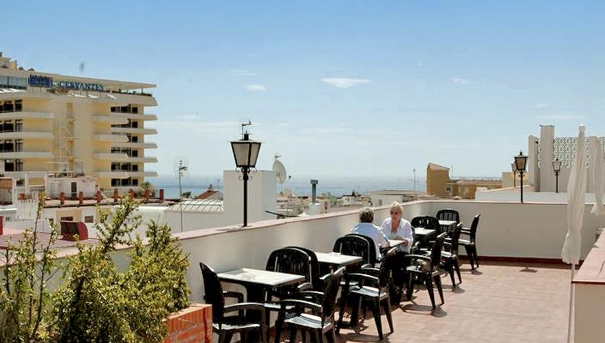 Kristal torremolinos w torremolinos costa del sol for Hotel kristal torremolinos piscina