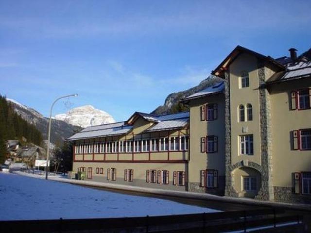 Hotel soggiorno dolomiti w campestrin val di fassa w ochy for Soggiorno dolomiti