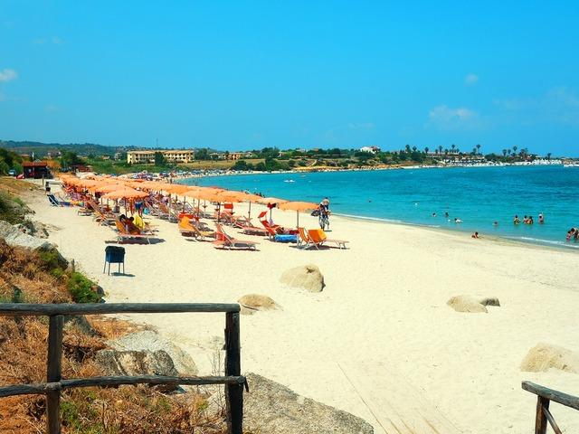 Hotel villaggio dolomiti sul mare w briatico wybrze e for Hotel barcellona sul mare