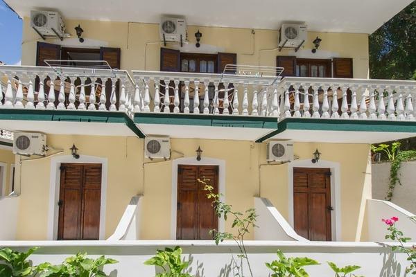 Hotel Irini Studia