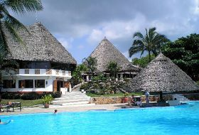 Hotel Karafuu Beach Resort