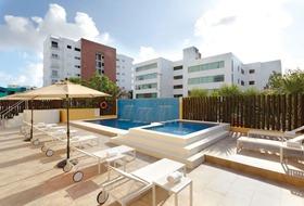 Hotel Las Quintas Inn & Suites