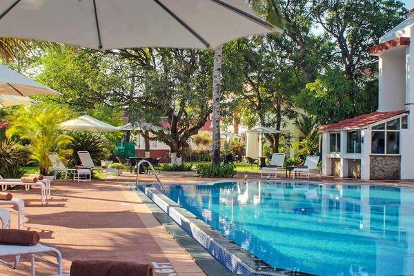 Hotel Longuinhos Beach Resort