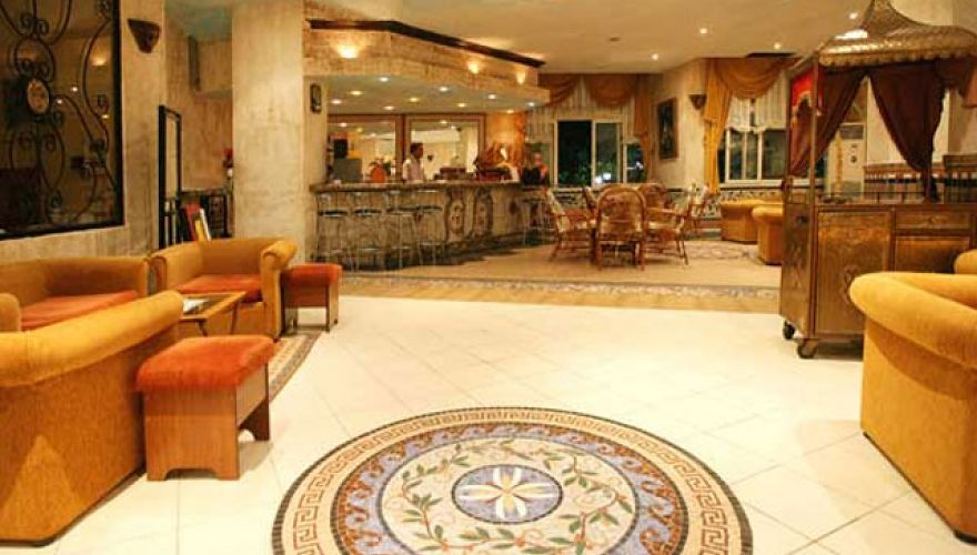 Hotel Lonicera World - lobby