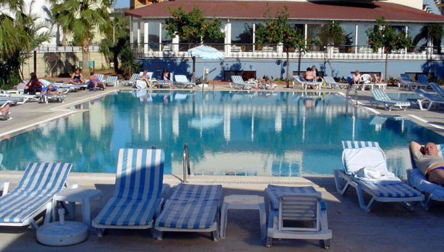 Widok na basen hotelu Lonicera World (Incekum)