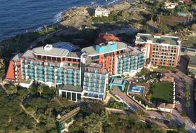 Hotel Merit Crystal Cove