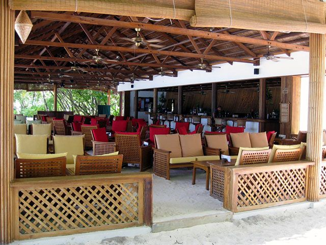 Hotel Reethi Beach Resort - bar