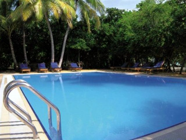 Hotel Reethi Beach Resort - basen