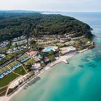 Hotel Sani Beach Club