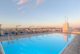 Widok na basen - hotel Santana