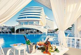 Hotel Titanic Beach