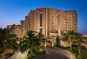 Hotel Traders Qaryat Al Beri