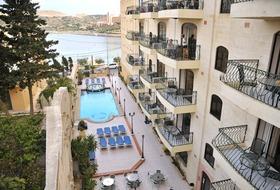 White Dolphin Complex - basen hotelowy