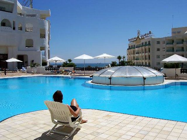Hotel Yasmine Beach Resort - basen