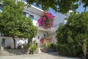 Apartamenty Yiannis Yard