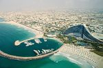 Plaża i hotel Jumeirah w Dubaju