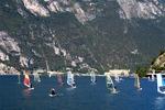 Windsurferzy na jeziorze Garda