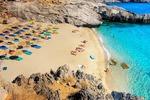 Jedna z pięknych piaszczystych plaż na Krecie
