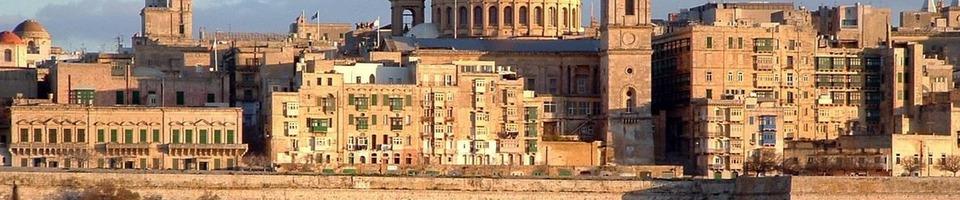 Valletta - stolica Malty położona pomiędzy zatokami Grand Harbour i Marsamxett Harbour