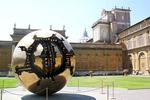 Wielka Kula (rzeźba A. Pomodoro) - Watykan