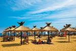 Parasole na plaży w Złotych Piaskach (Bułgaria)