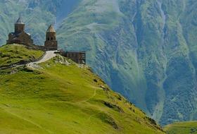 Gruzja, Armenia - spod szczytów Kaukazu w doliny Armenii