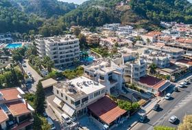 Poseidonia Hotel and Apartments