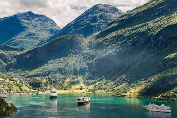 Rejs po norweskich fiordach - Plenery Skandynawii
