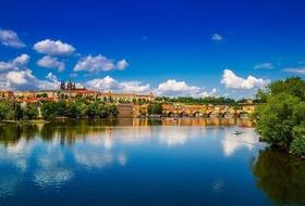 Romantyczna Praga- Majowy Spacer