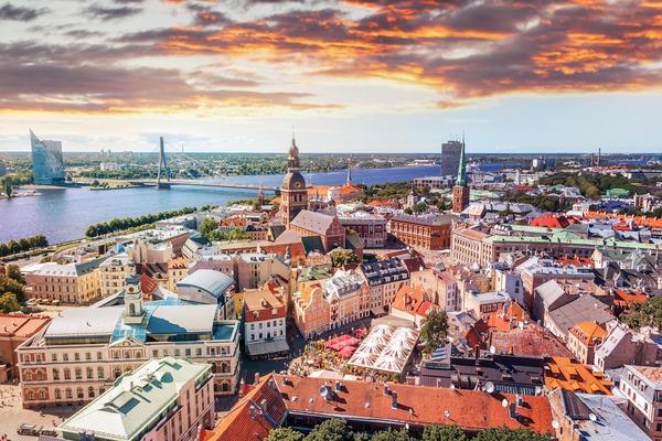 Ryga i Sztokholm promem, czyli tam i z p